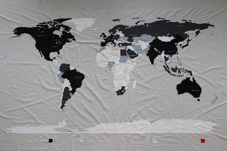 Le monde et la dette, installation view, D+T Project, Brussels, 2015